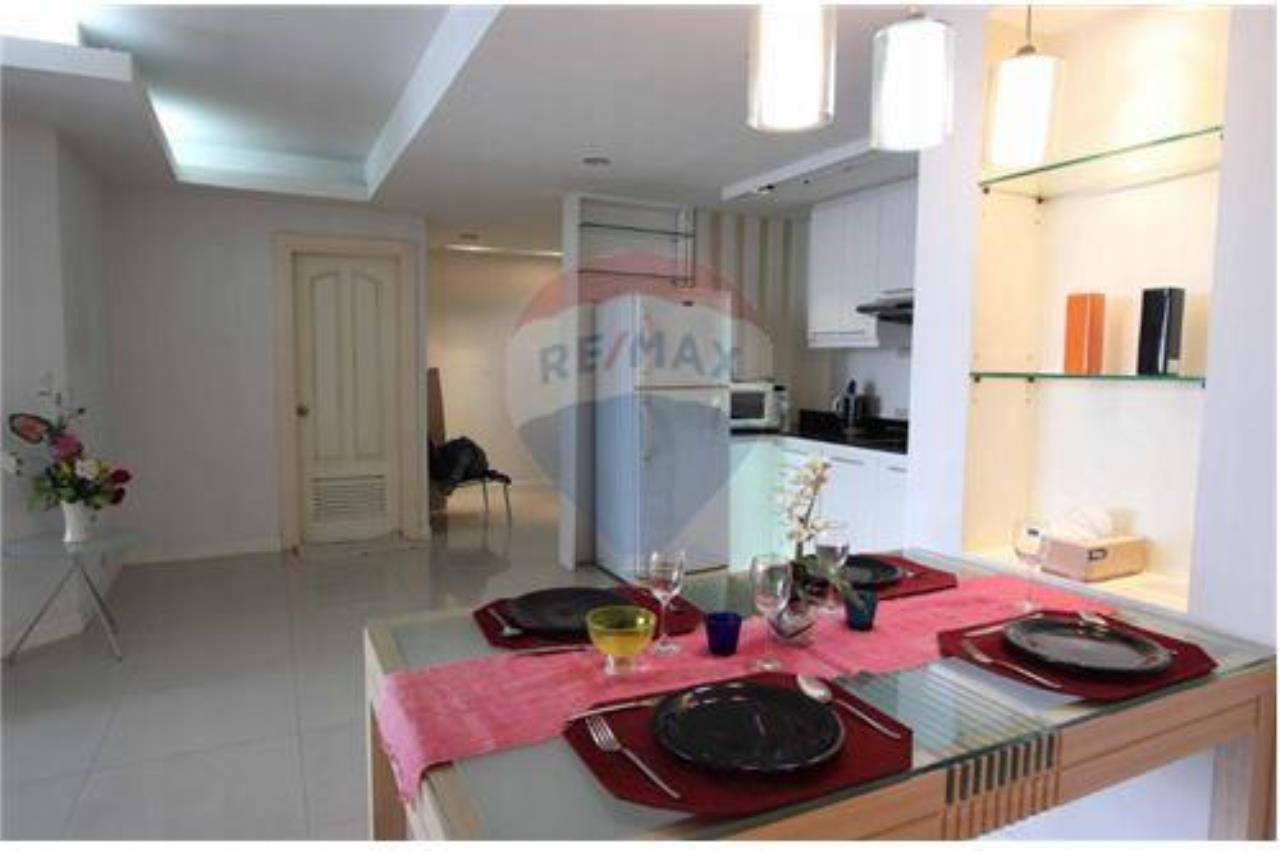 RE/MAX Executive Homes Agency's *For RENT* nice 2 beds @center of Asoke , 50K 2