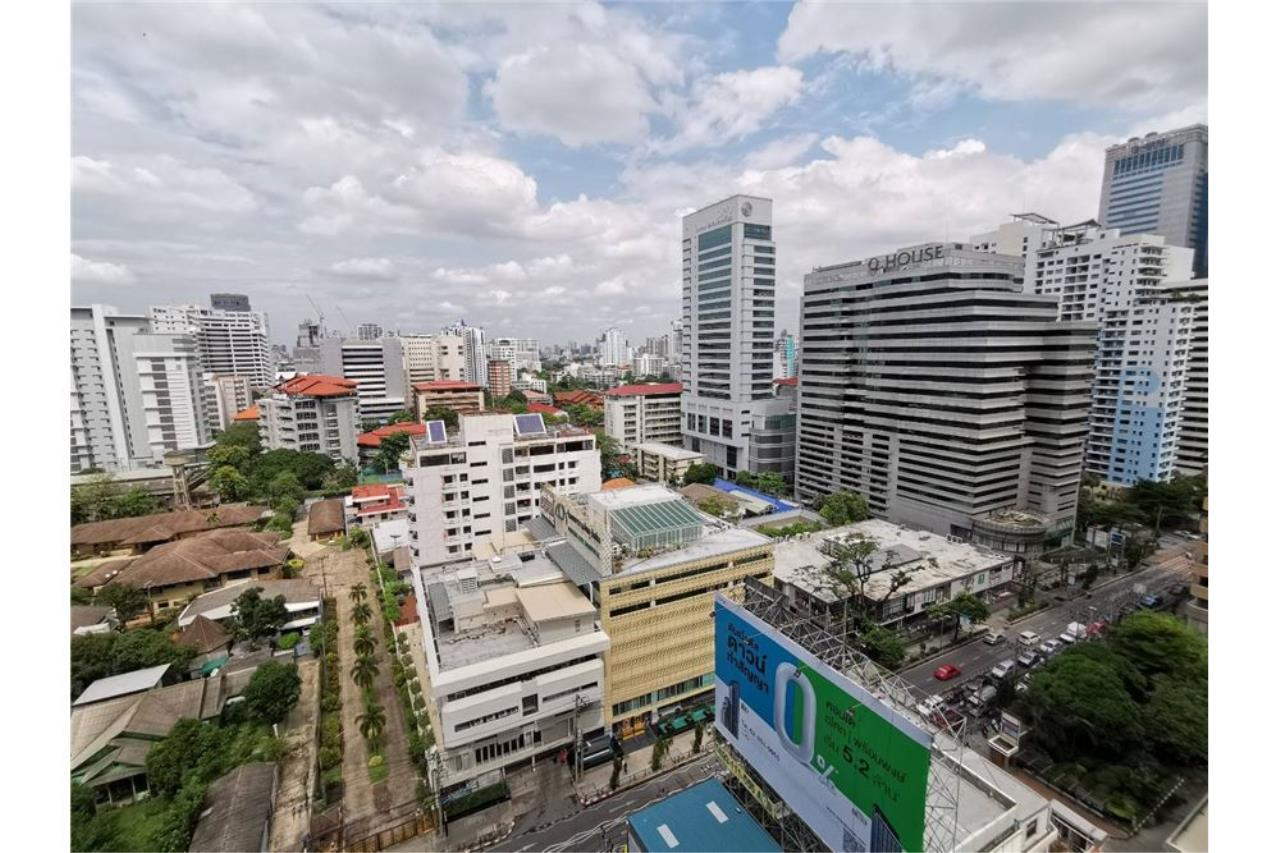 RE/MAX Executive Homes Agency's 2 Bed / 2 Bath / For rent / The Lofts Asoke 13