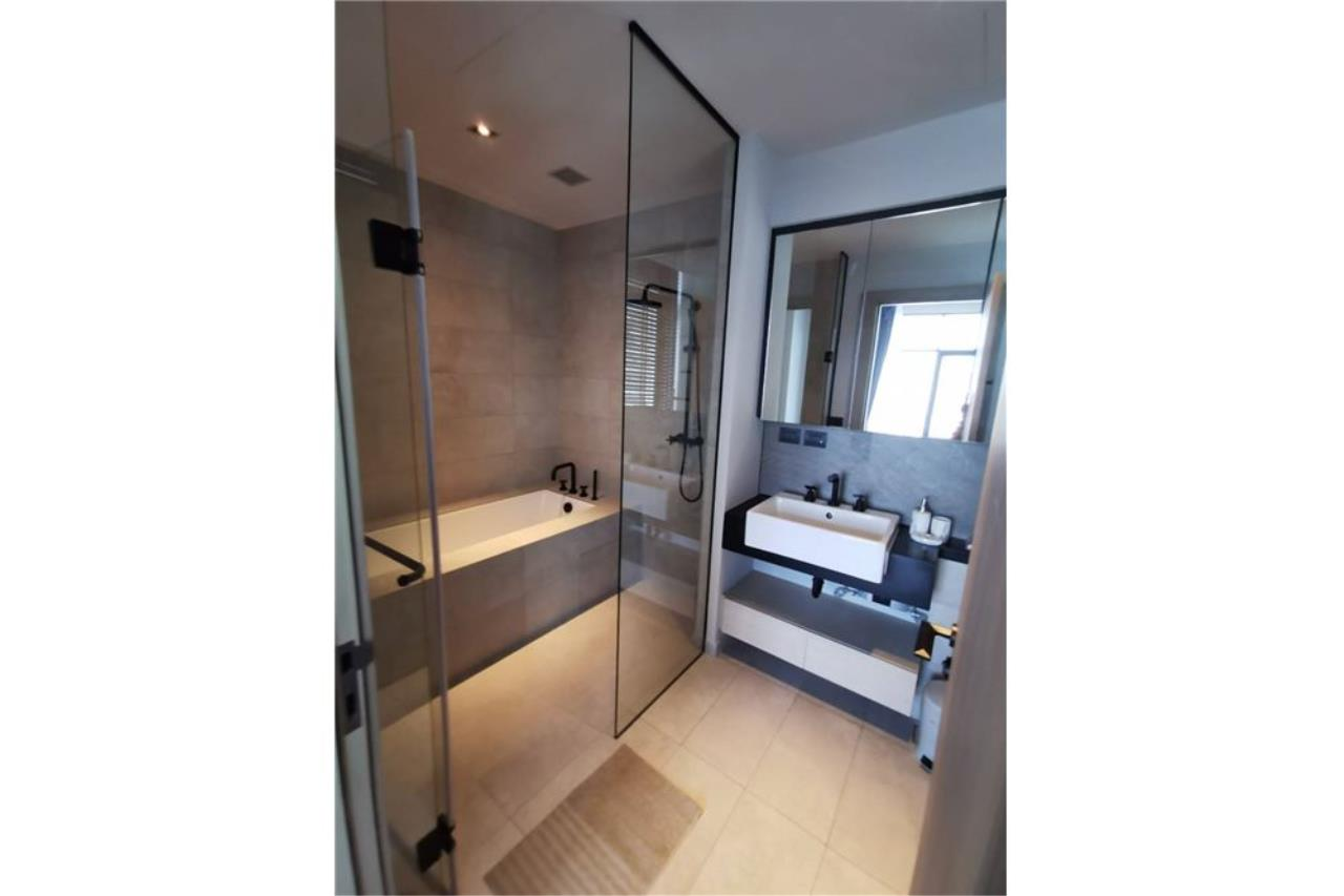 RE/MAX Executive Homes Agency's 2 Bed / 2 Bath / For rent / The Lofts Asoke 10