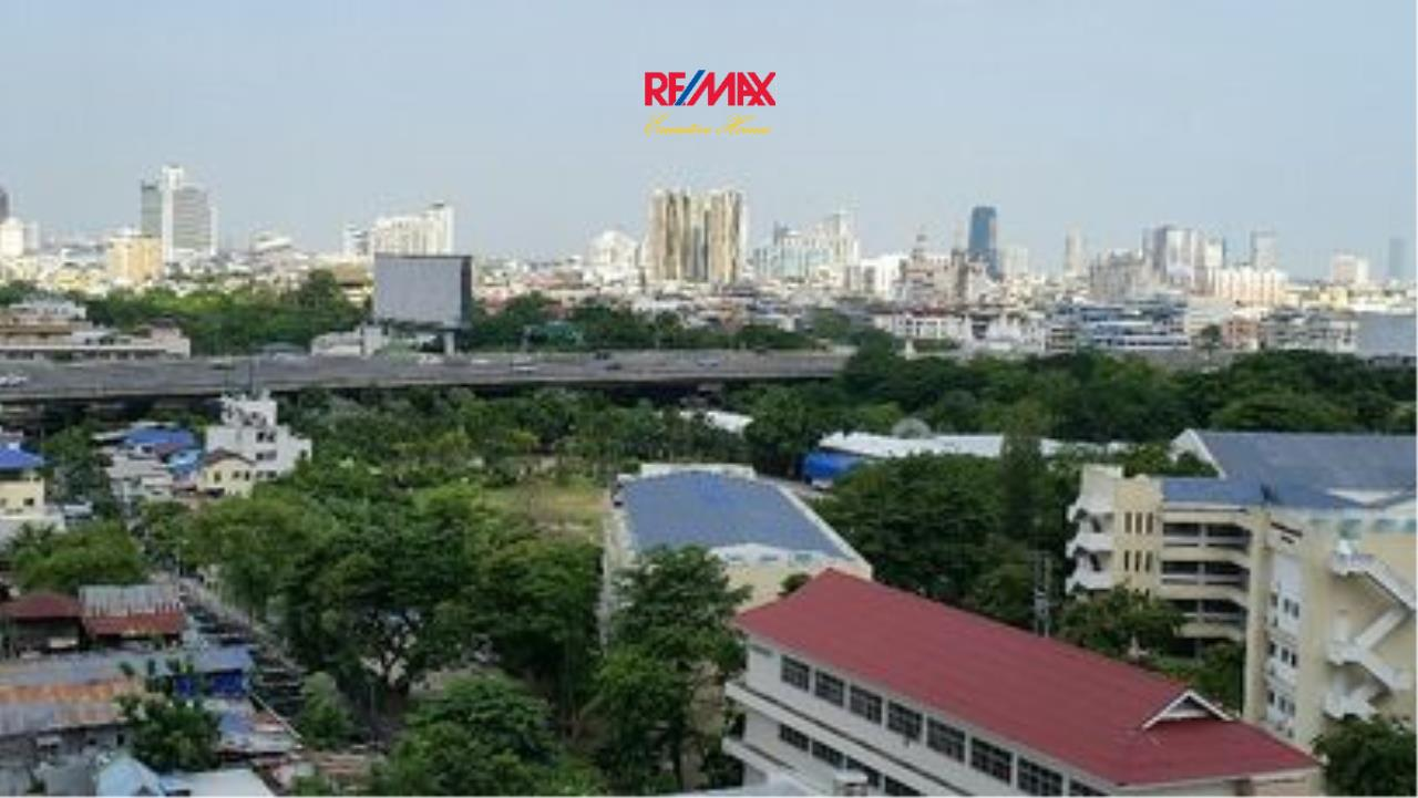 RE/MAX Executive Homes Agency's Rhythm Sathorn 21, 1 br-35 sqm for rent. 13