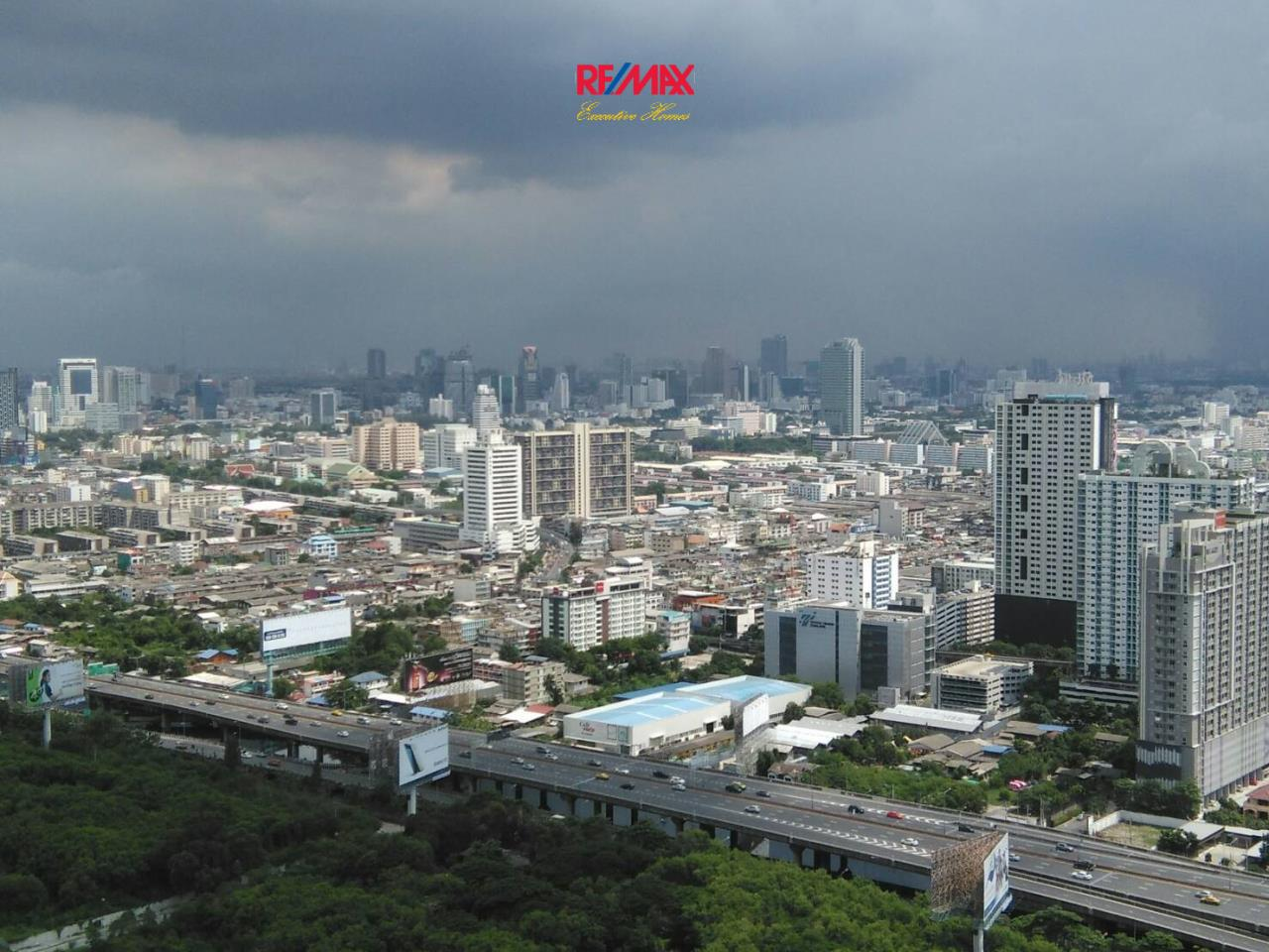 RE/MAX Executive Homes Agency's Nice 1 Bedroom for Rent Address Asoke 10