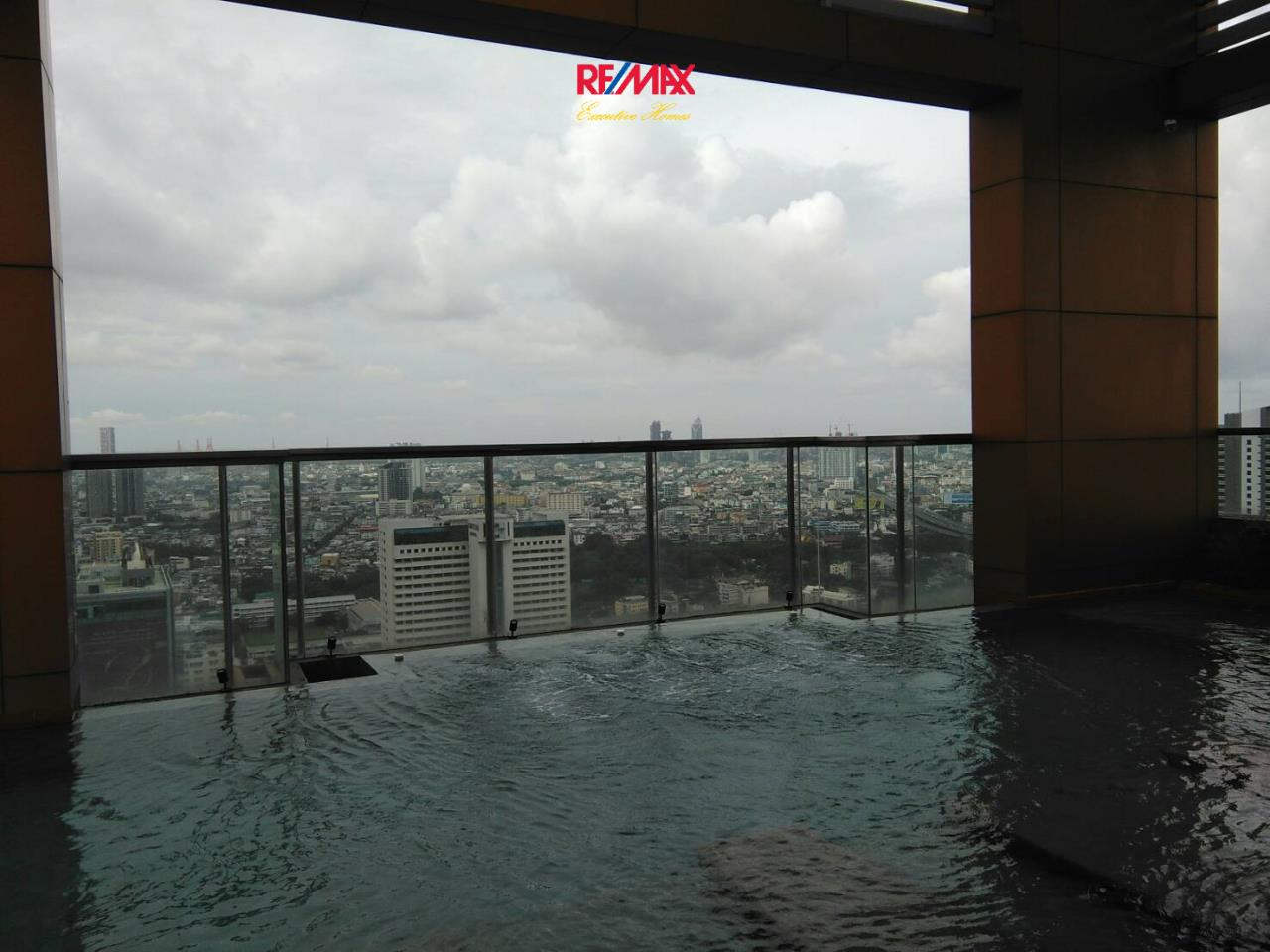 RE/MAX Executive Homes Agency's Nice 2 Bedroom for Rent The Address Sathorn 25