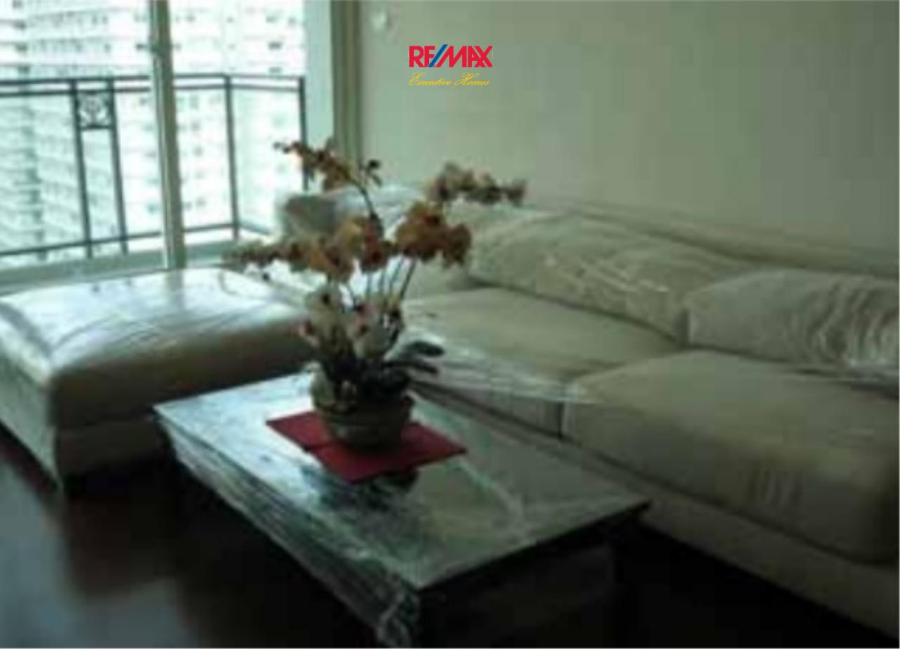 RE/MAX Executive Homes Agency's Nice 2 Bedroom for Rent  Ivy Thong Lo 1