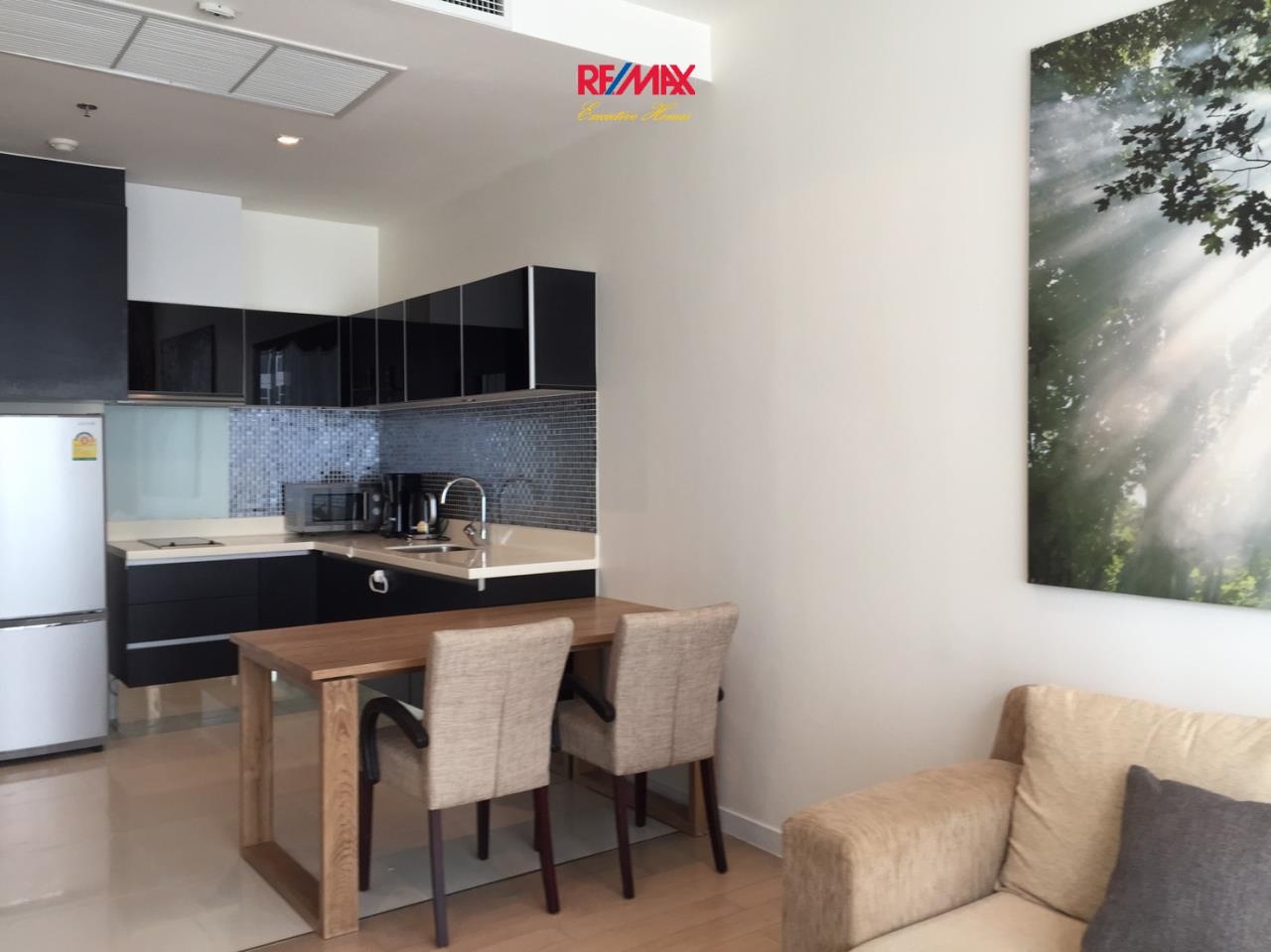 RE/MAX Executive Homes Agency's Nice 1 Bedroom for Rent Eight Thonglo 2