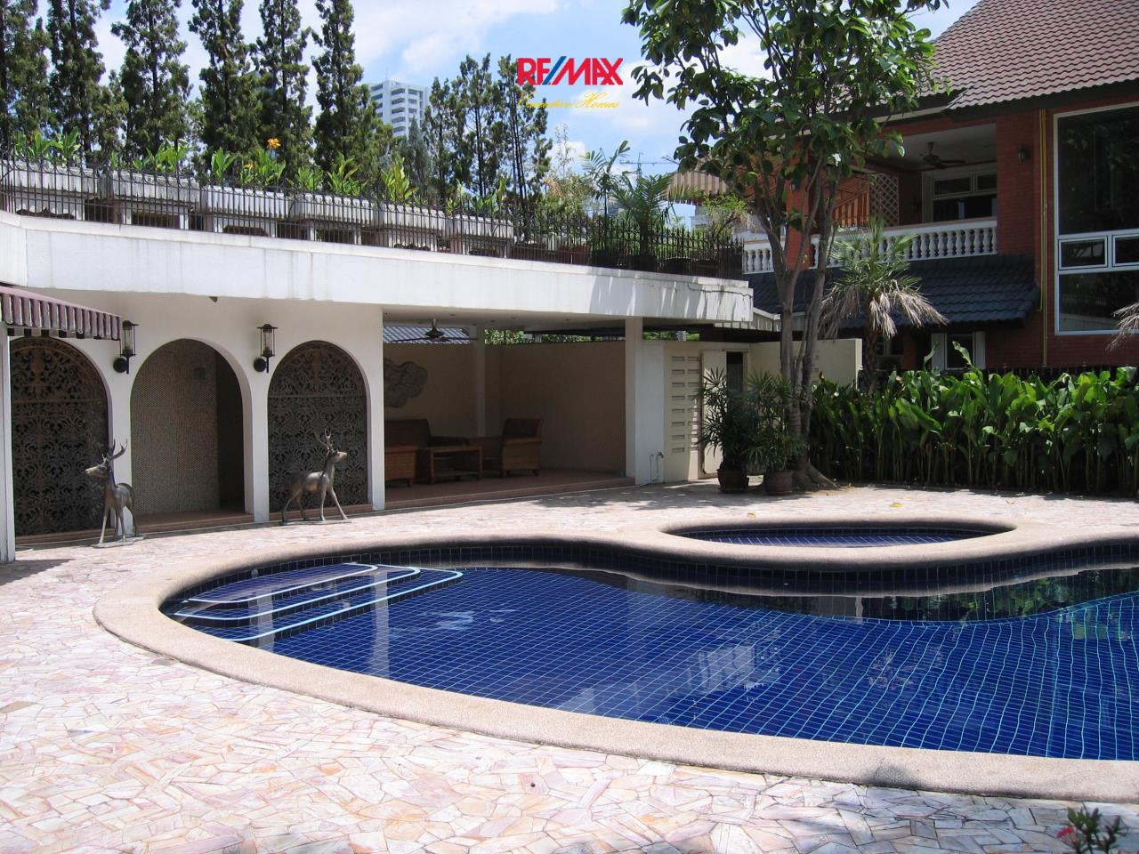 RE/MAX Executive Homes Agency's Stunning 3 Bedroom for Rent Sukhumvit 2