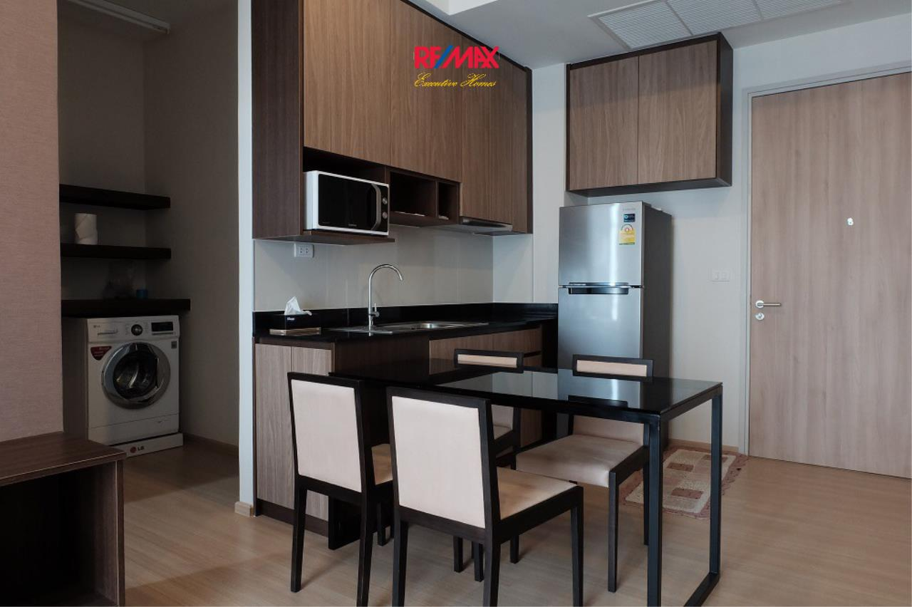 RE/MAX Executive Homes Agency's Nice 2 Bedroom for Rent The Capitol  5