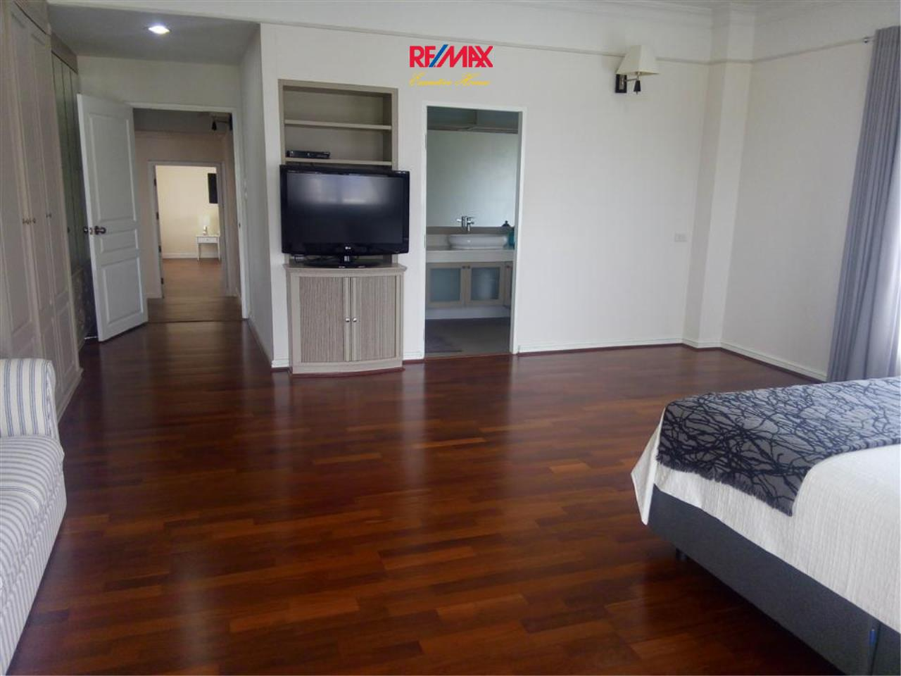 RE/MAX Executive Homes Agency's Nice 3 Bedroom for Rent Sathorn Crest 36