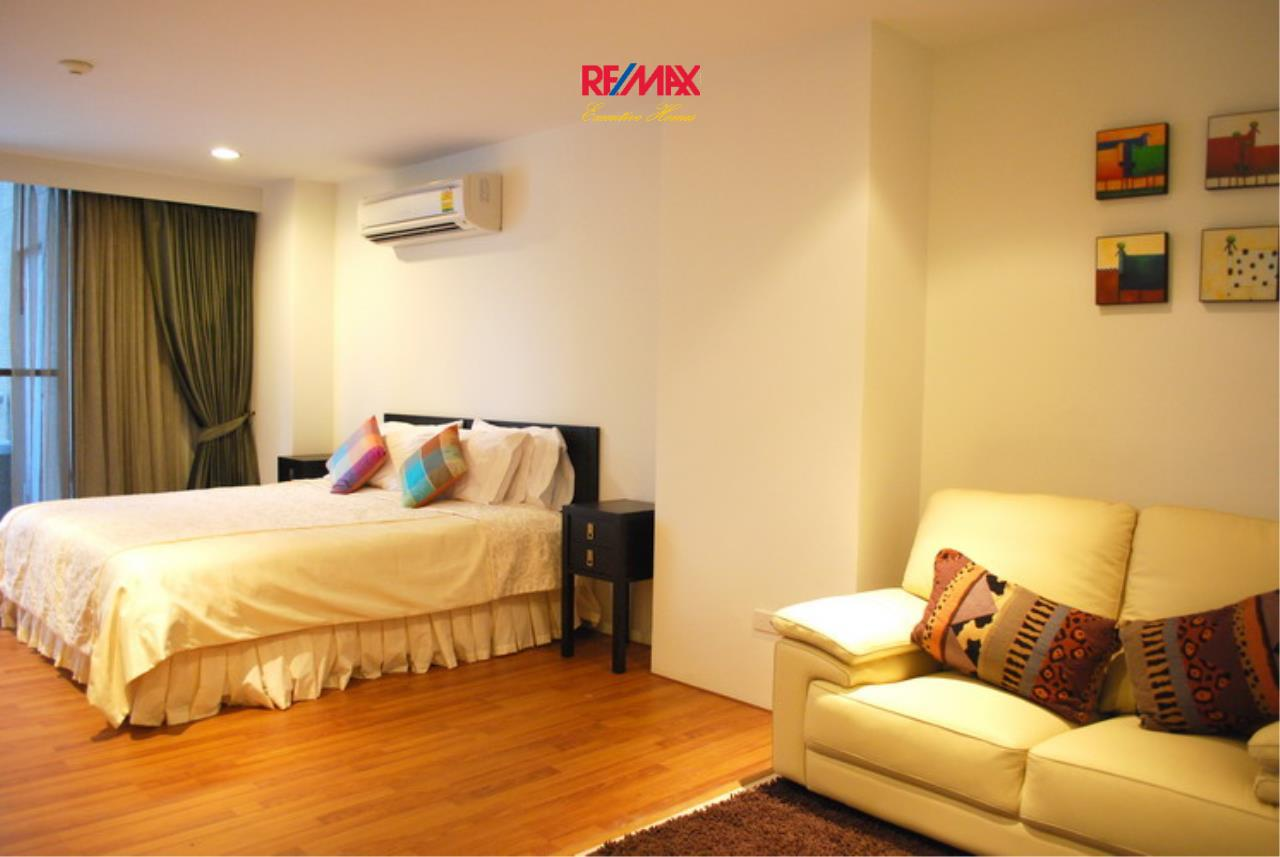 RE/MAX Executive Homes Agency's Simple Studio for Rent Asoke Tower 1