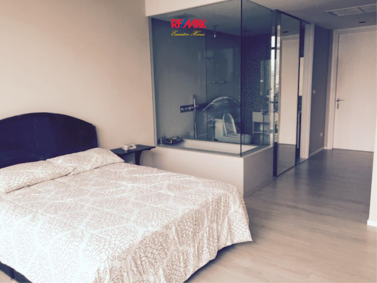 RE/MAX Executive Homes Agency's Stunning 2 Bedroom Duplex for Rent an Sale The Room Asoke 2