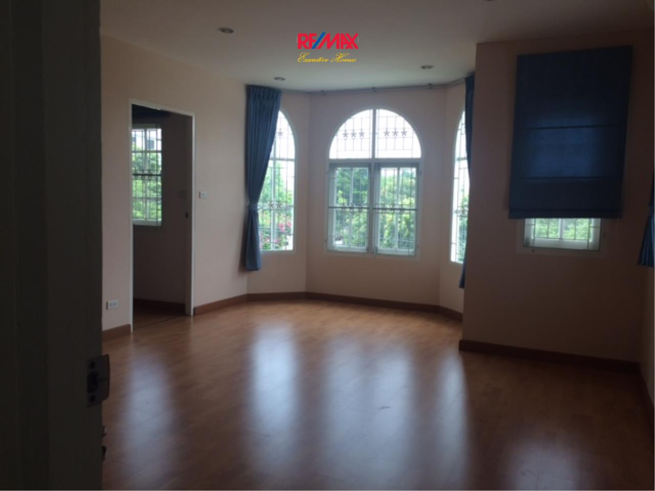 RE/MAX Executive Homes Agency's Nice 4 Bedroom House for Rent in Sukhumvit 101 27