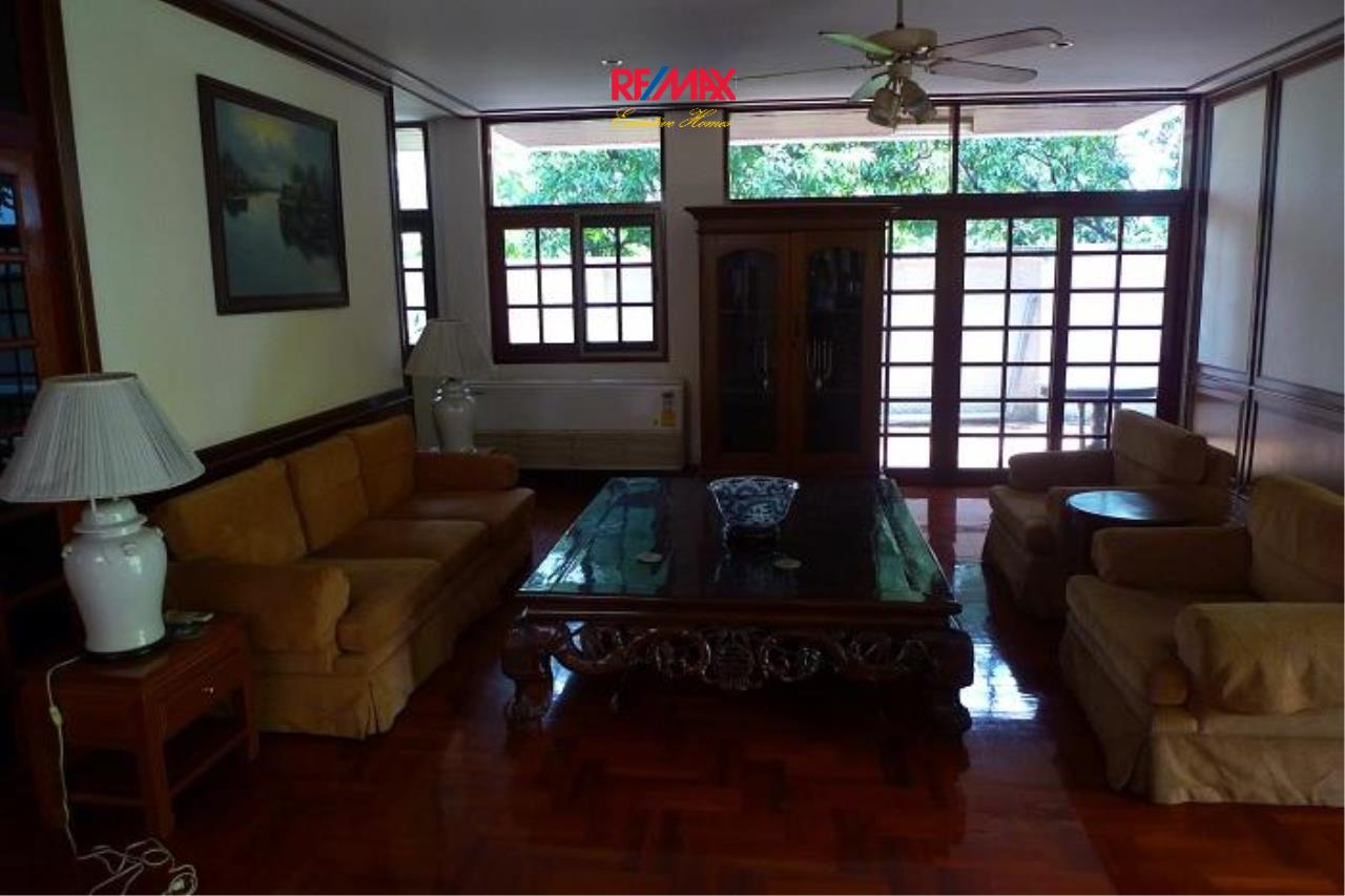 RE/MAX Executive Homes Agency's Nice 5 Bedroom House for Rent in Sukhumvit 2