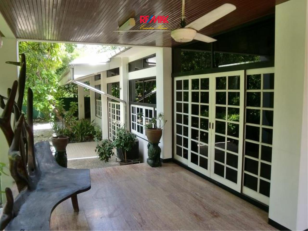 RE/MAX Executive Homes Agency's Nice 5 Bedroom House for Rent in Sukhumvit 12