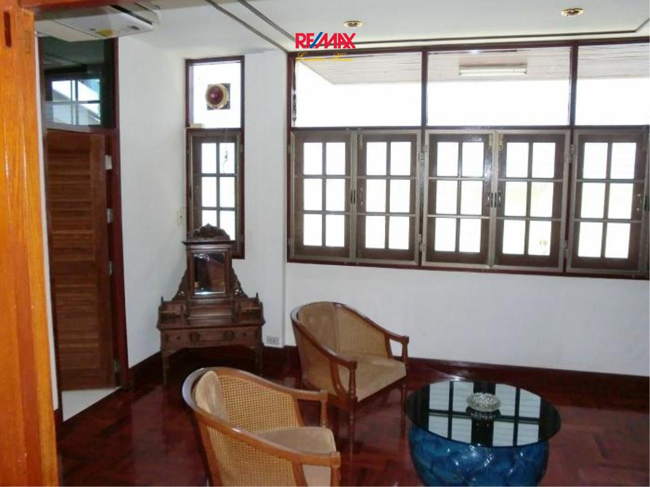 RE/MAX Executive Homes Agency's Nice 5 Bedroom House for Rent in Sukhumvit 13