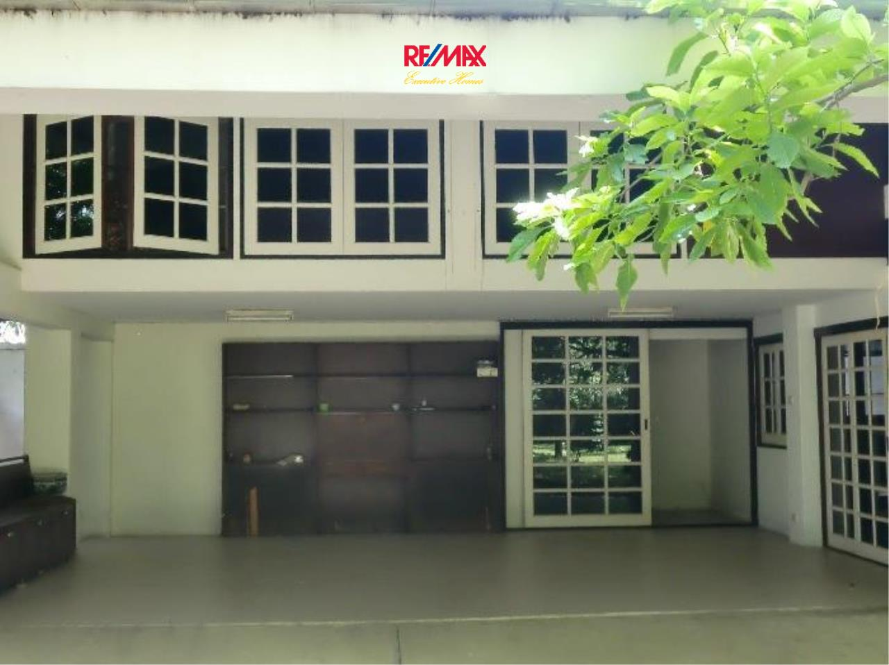 RE/MAX Executive Homes Agency's Nice 5 Bedroom House for Rent in Sukhumvit 8