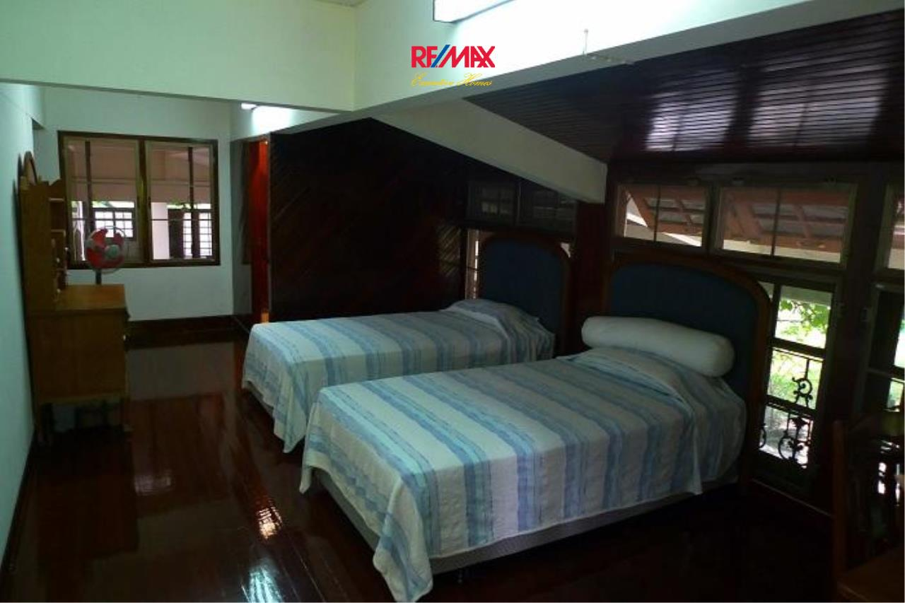 RE/MAX Executive Homes Agency's Nice 5 Bedroom House for Rent in Sukhumvit 7