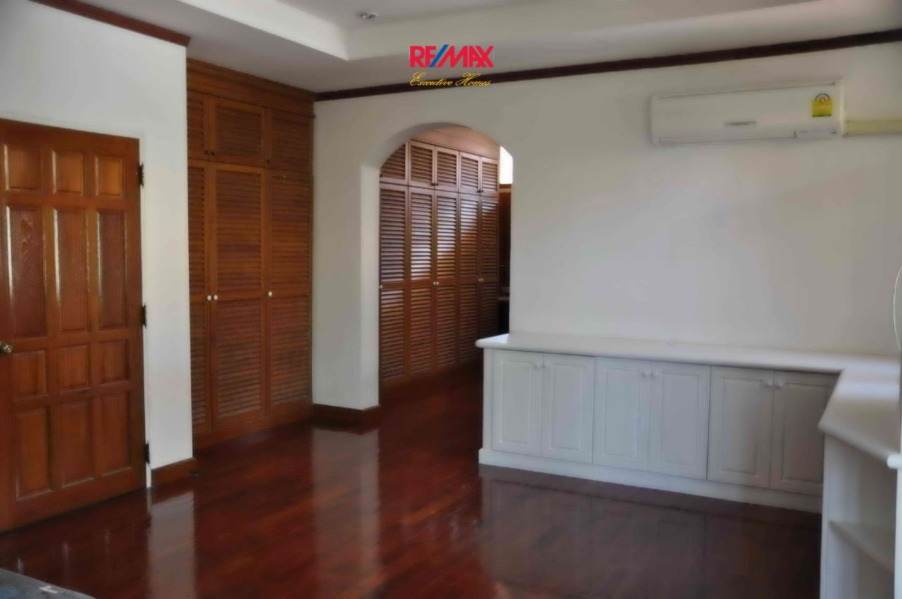 RE/MAX Executive Homes Agency's Beautiful 3 bedroom for Rent Nantawan Village 10