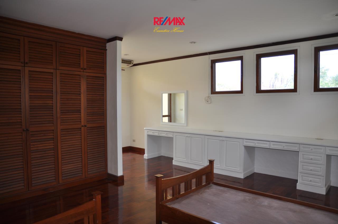 RE/MAX Executive Homes Agency's Beautiful 3 bedroom for Rent Nantawan Village 4