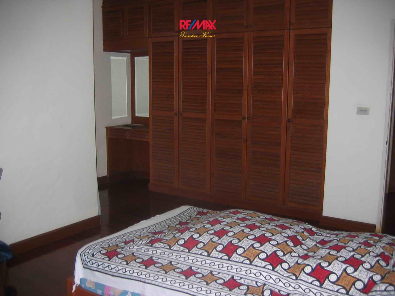 RE/MAX Executive Homes Agency's Beautiful 3 bedroom for Rent Nantawan Village 2