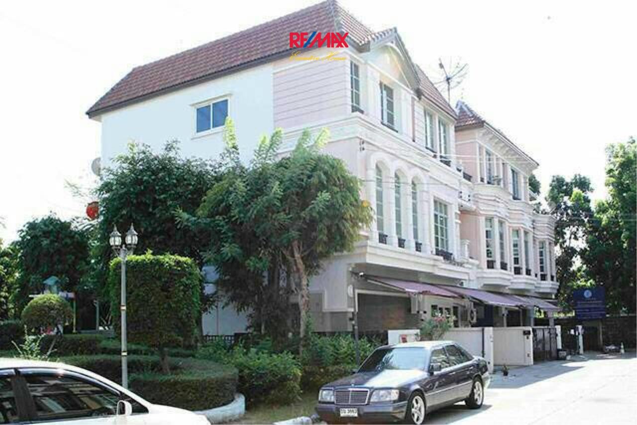 RE/MAX Executive Homes Agency's Nice 3 Bedroom for Sale Baan Klang Muang 1