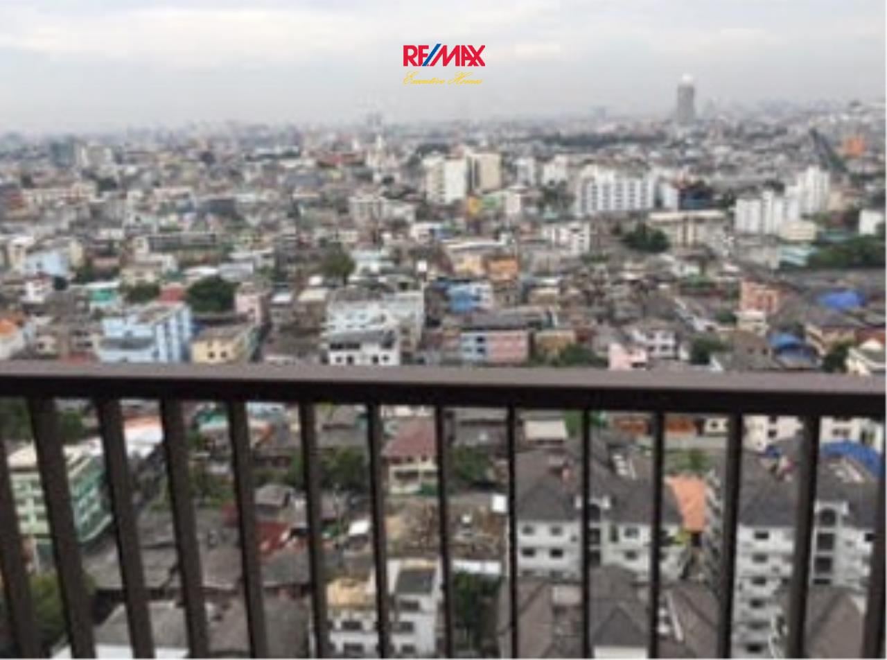 RE/MAX Executive Homes Agency's Nice 2 Bedroom for Sale NYE by Sansiri 2