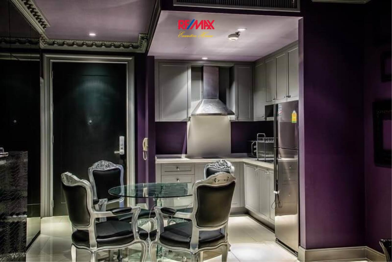 RE/MAX Executive Homes Agency's Stylish 1 Bedroom Duplex for Sale and Rent Emporio Place 7