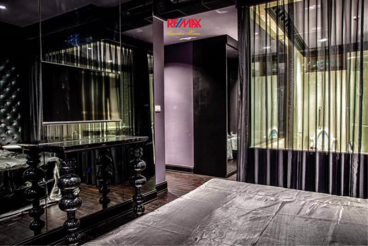 RE/MAX Executive Homes Agency's Stylish 1 Bedroom Duplex for Sale and Rent Emporio Place 4