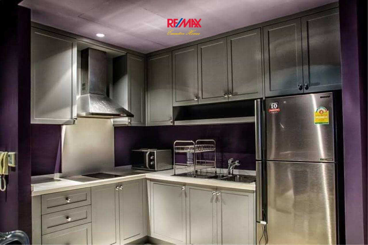 RE/MAX Executive Homes Agency's Stylish 1 Bedroom Duplex for Sale and Rent Emporio Place 8