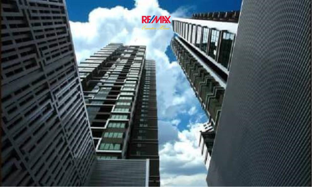 RE/MAX Executive Homes Agency's Stylish 1 Bedroom Duplex for Sale and Rent Emporio Place 10