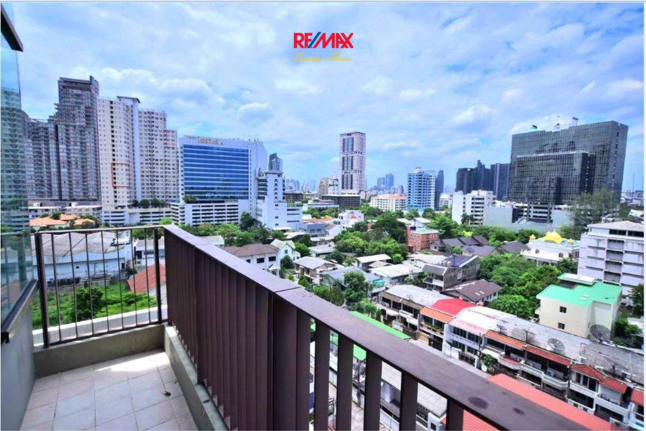 RE/MAX Executive Homes Agency's Stunning 2+1 Bedroom for Sale Emporio PlaceThe Emporio Place 8