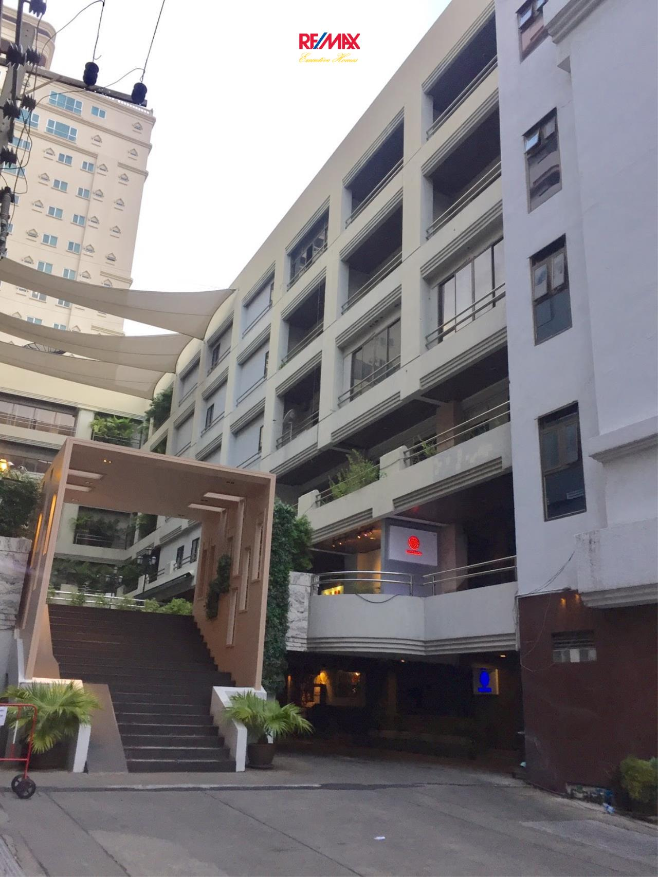 RE/MAX Executive Homes Agency's Commercial Space for Rent in Sukhumvit 33  3