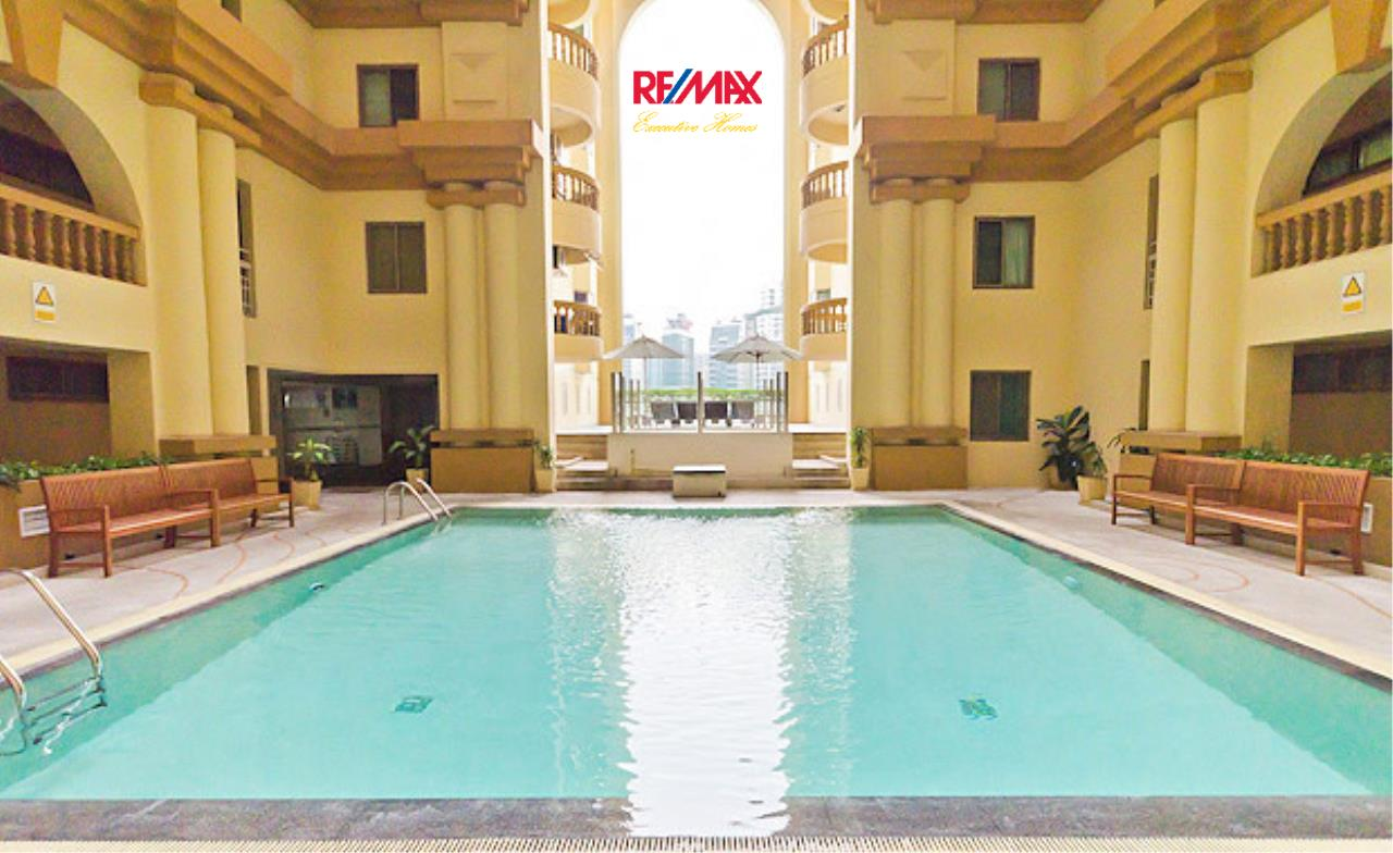 RE/MAX Executive Homes Agency's Spacious 3 Bedroom for Sale Royal Castle 1