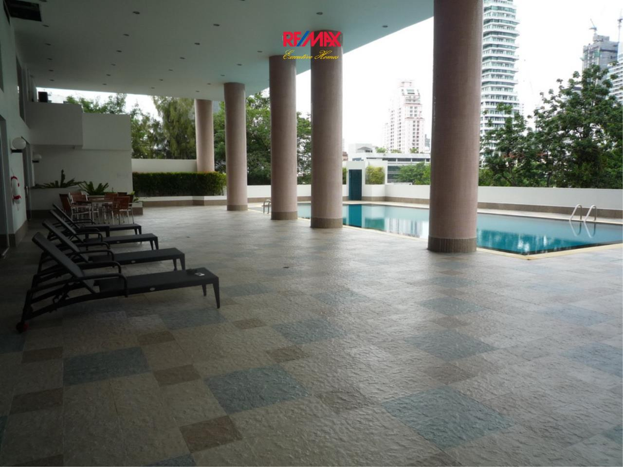 RE/MAX Executive Homes Agency's Nice 2 Bedroom for Rent 33 Tower 17