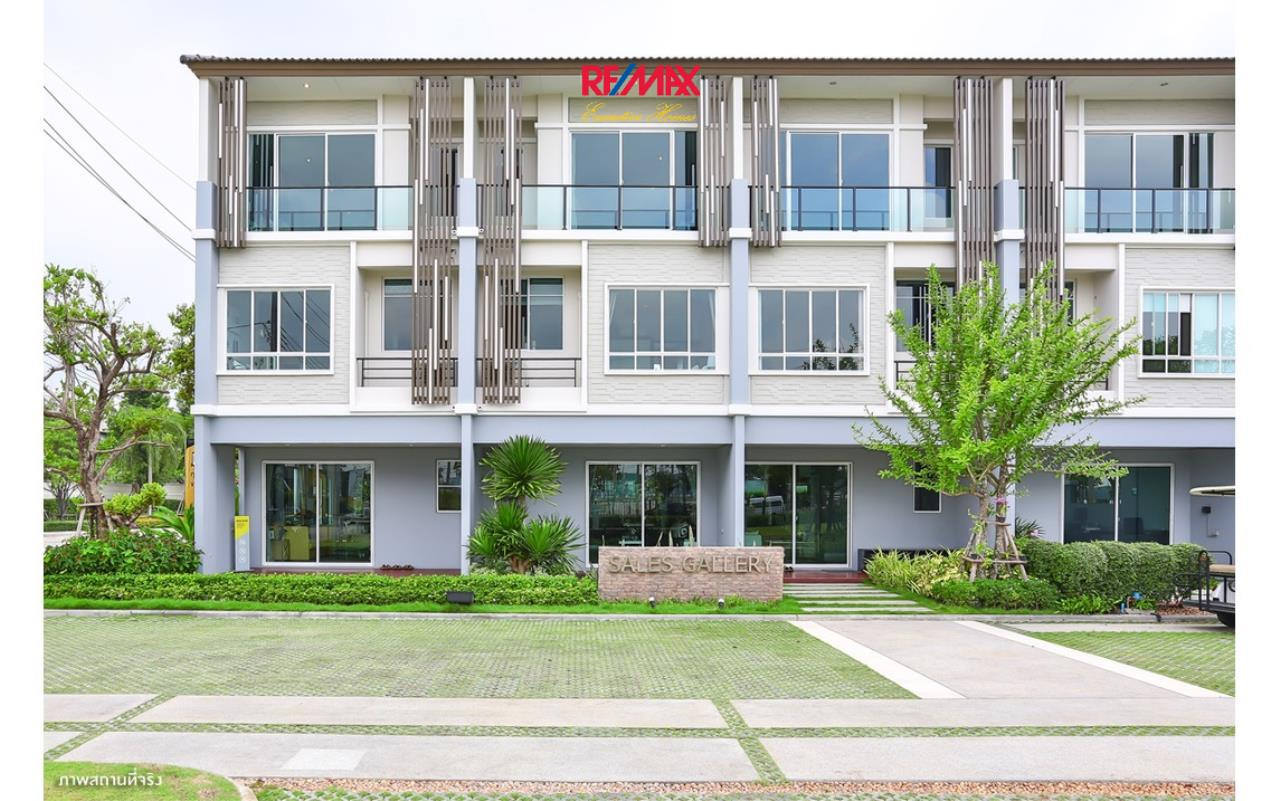 RE/MAX Executive Homes Agency's Nice 3 Bedroom Townhouse for Rent Plant Citi Muang Thong 1