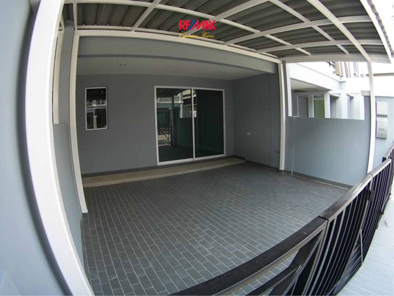RE/MAX Executive Homes Agency's Nice 3 Bedroom Townhouse for Rent Plant Citi Muang Thong 2