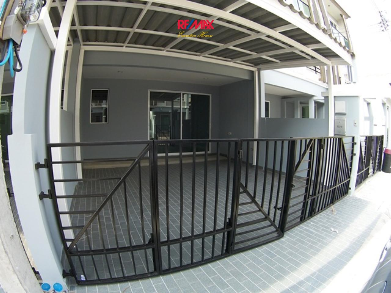 RE/MAX Executive Homes Agency's Nice 3 Bedroom Townhouse for Rent Plant Citi Muang Thong 3