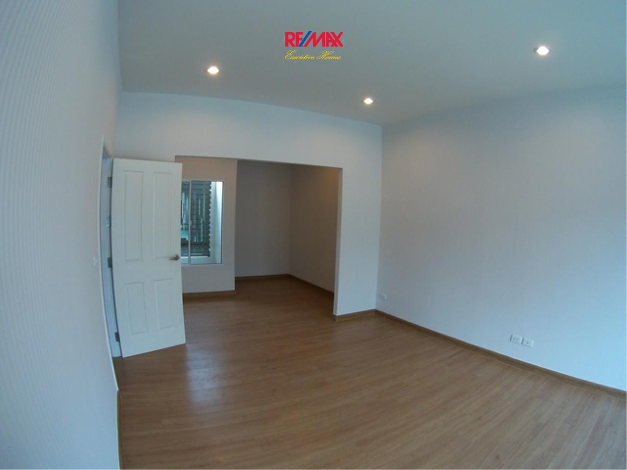 RE/MAX Executive Homes Agency's Nice 3 Bedroom Townhouse for Rent Plant Citi Muang Thong 10