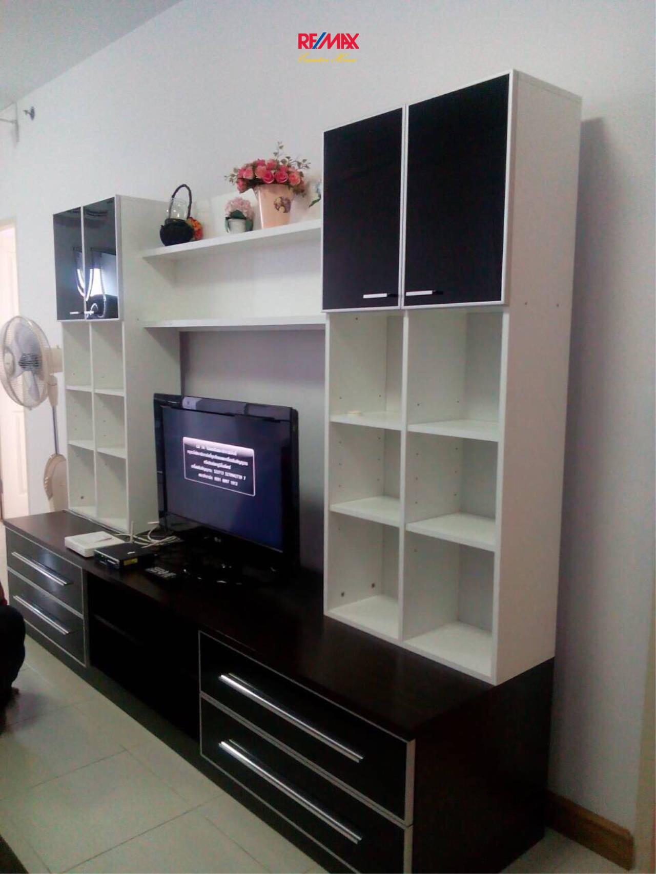 RE/MAX Executive Homes Agency's Nice 2 Bedroom for Rent Supalai Park Asoke - Ratchada 7