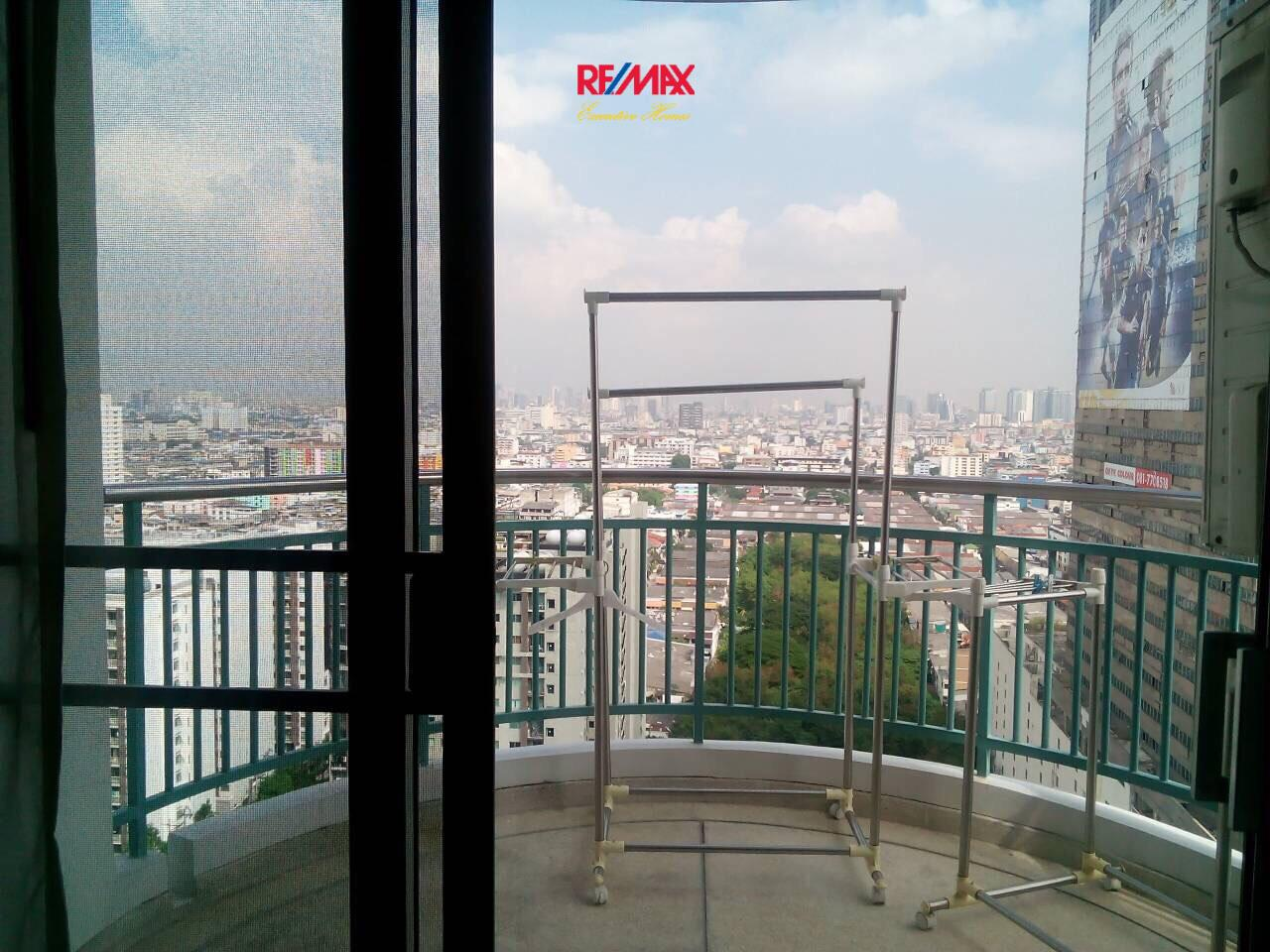 RE/MAX Executive Homes Agency's Nice 2 Bedroom for Rent Supalai Park Asoke - Ratchada 10