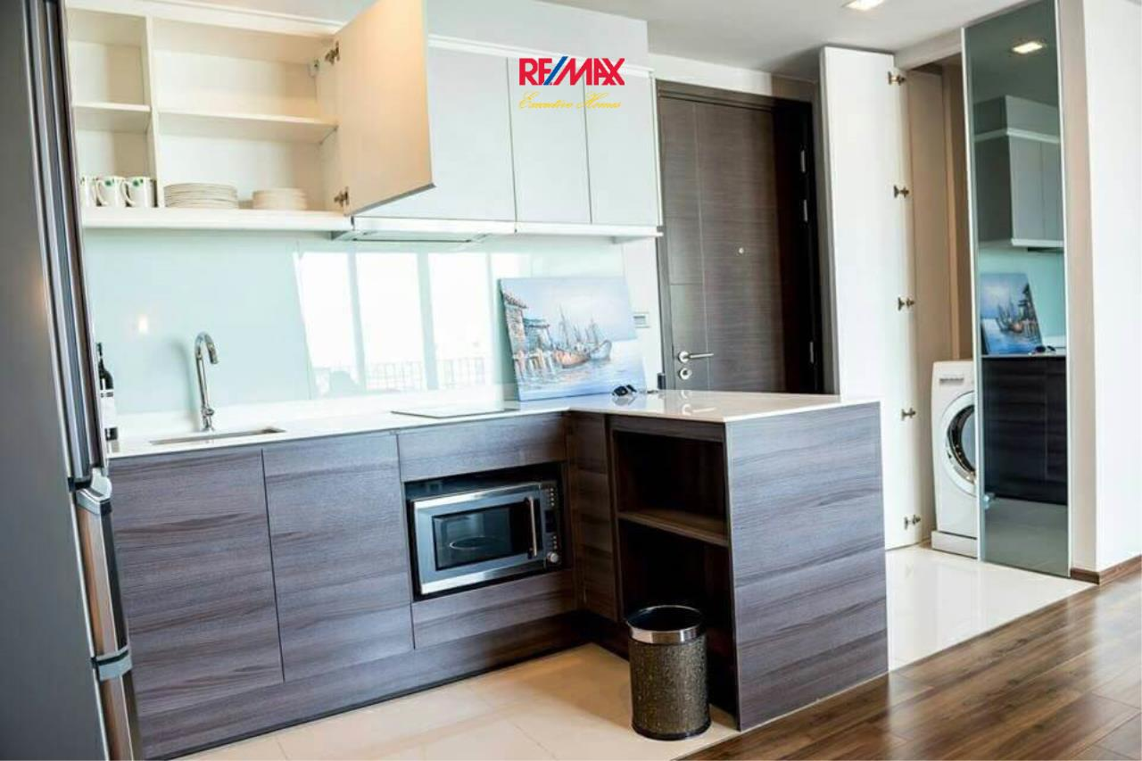 RE/MAX Executive Homes Agency's Stunning 2 Bedroom for Rent Ceil by Sansiri 5