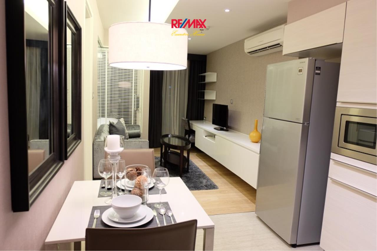 RE/MAX Executive Homes Agency's Stunning 1 Bedroom for Rent H 43 7