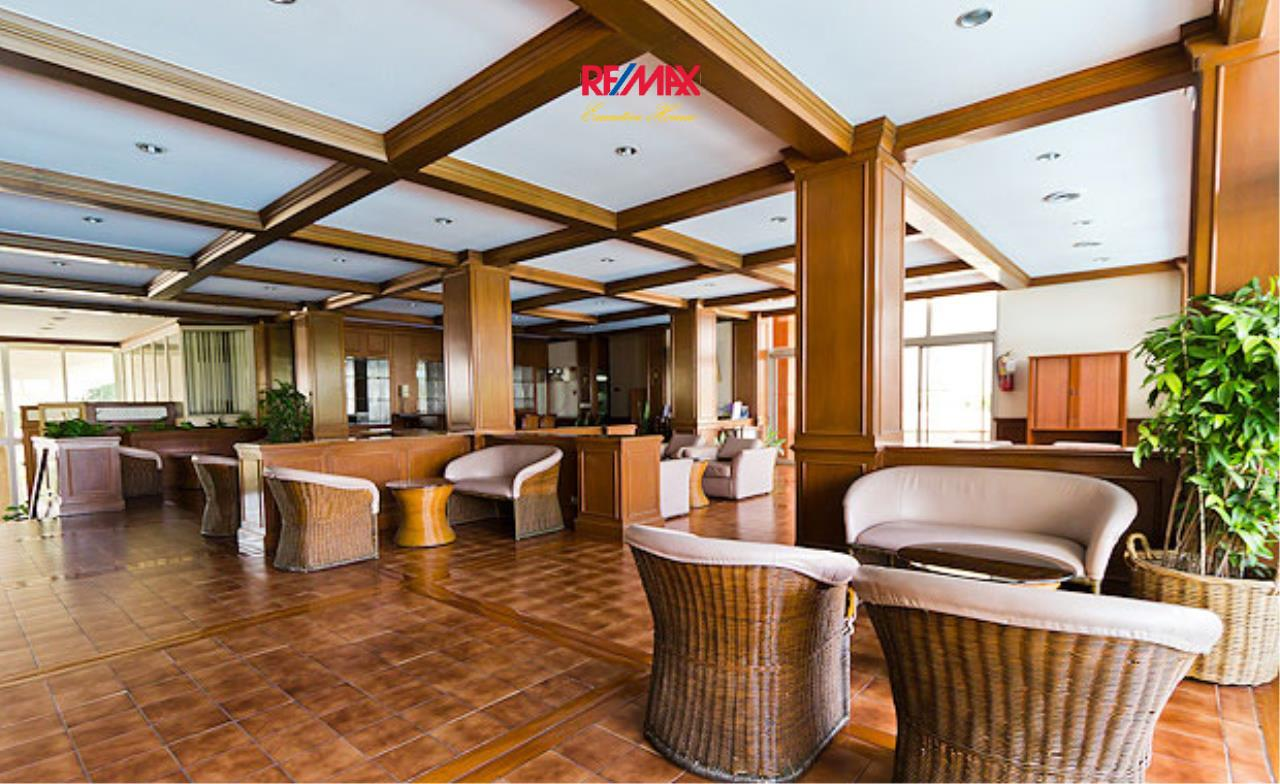 RE/MAX Executive Homes Agency's Spacious 2 Bedroom for Rent Tai Ping Tower 2