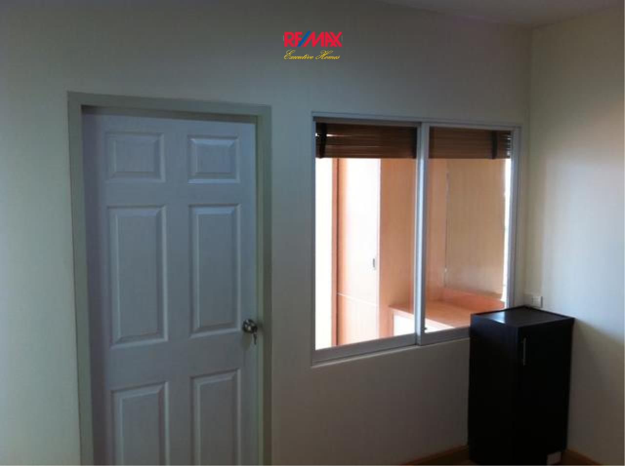 RE/MAX Executive Homes Agency's Nice 1 Bedroom for Sale Life @ Ratchada 3