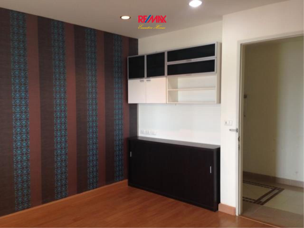 RE/MAX Executive Homes Agency's Nice 1 Bedroom for Sale Life @ Ratchada 5