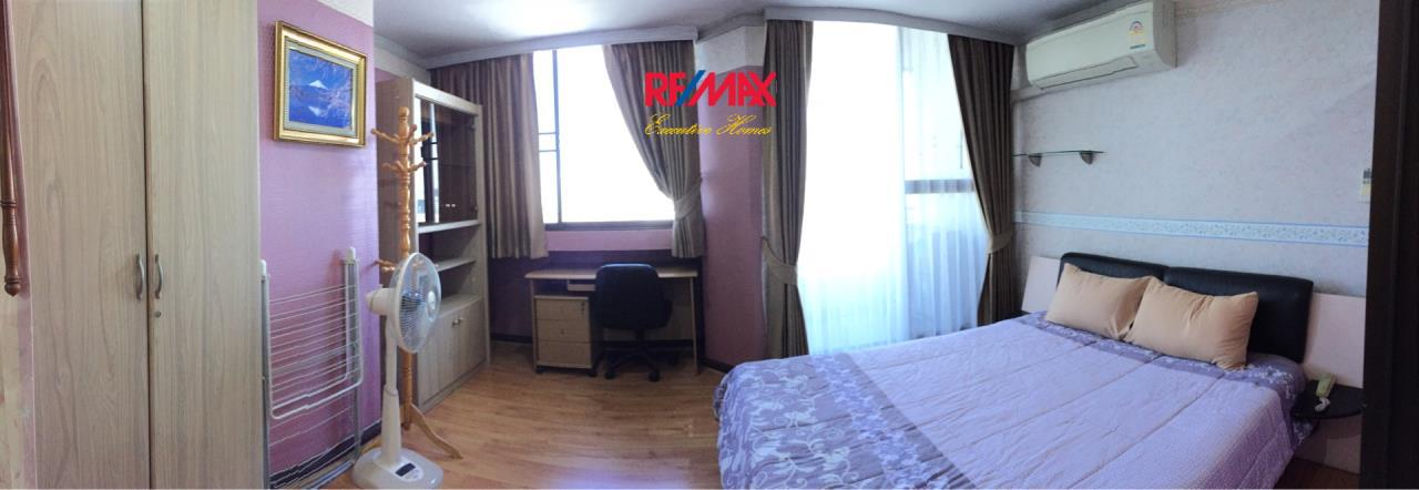 RE/MAX Executive Homes Agency's Spacious 1 Bedroom for Rent Supalai Place 39 5