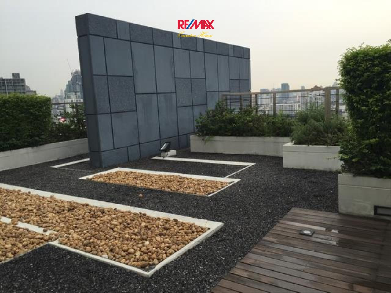 RE/MAX Executive Homes Agency's Stunning 2 Bedroom for Rent and Sale Siri @ Sukhumvit 38 6