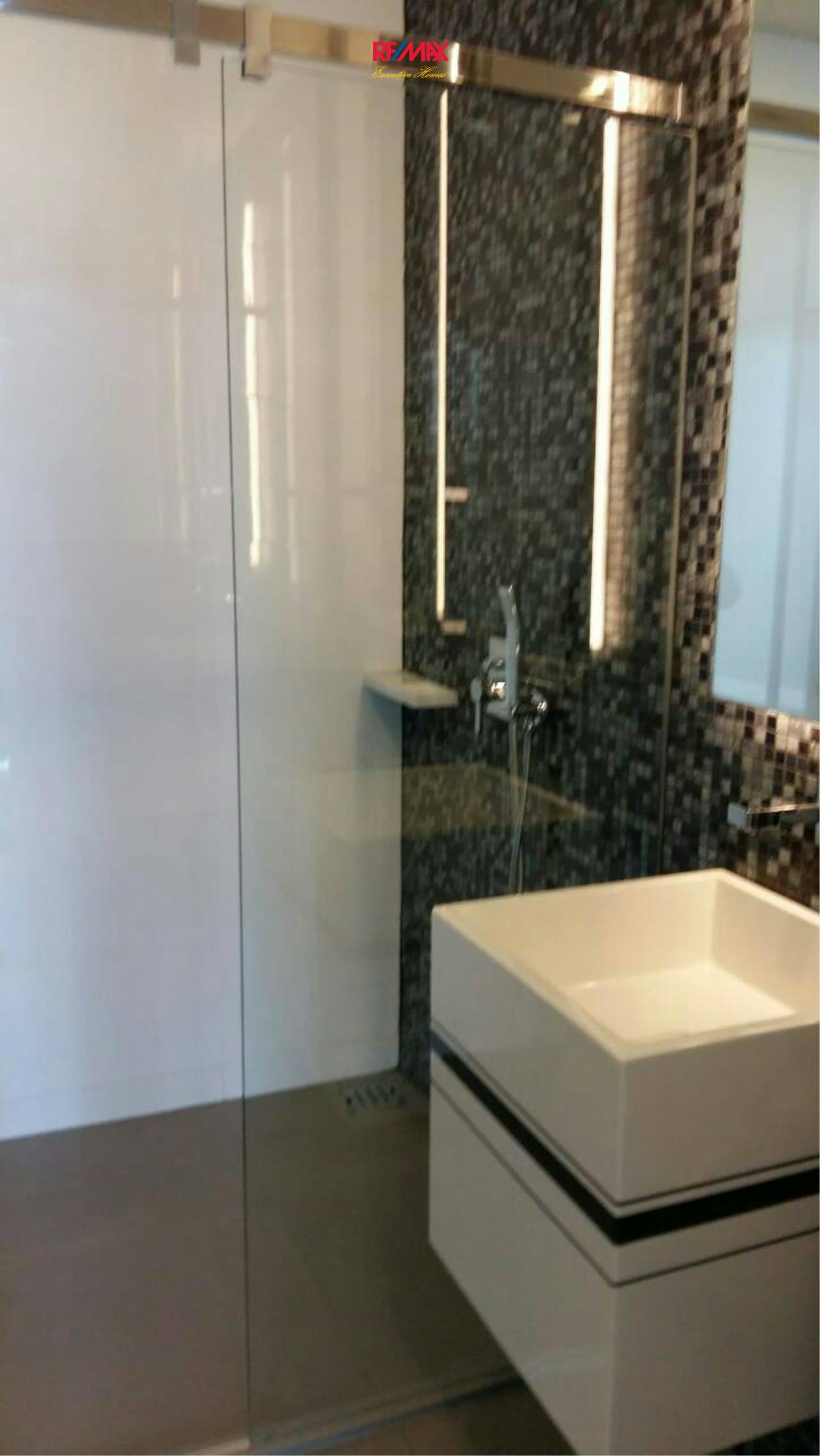 RE/MAX Executive Homes Agency's Nice 1 Bedroom for Rent The Room Sathorn 5