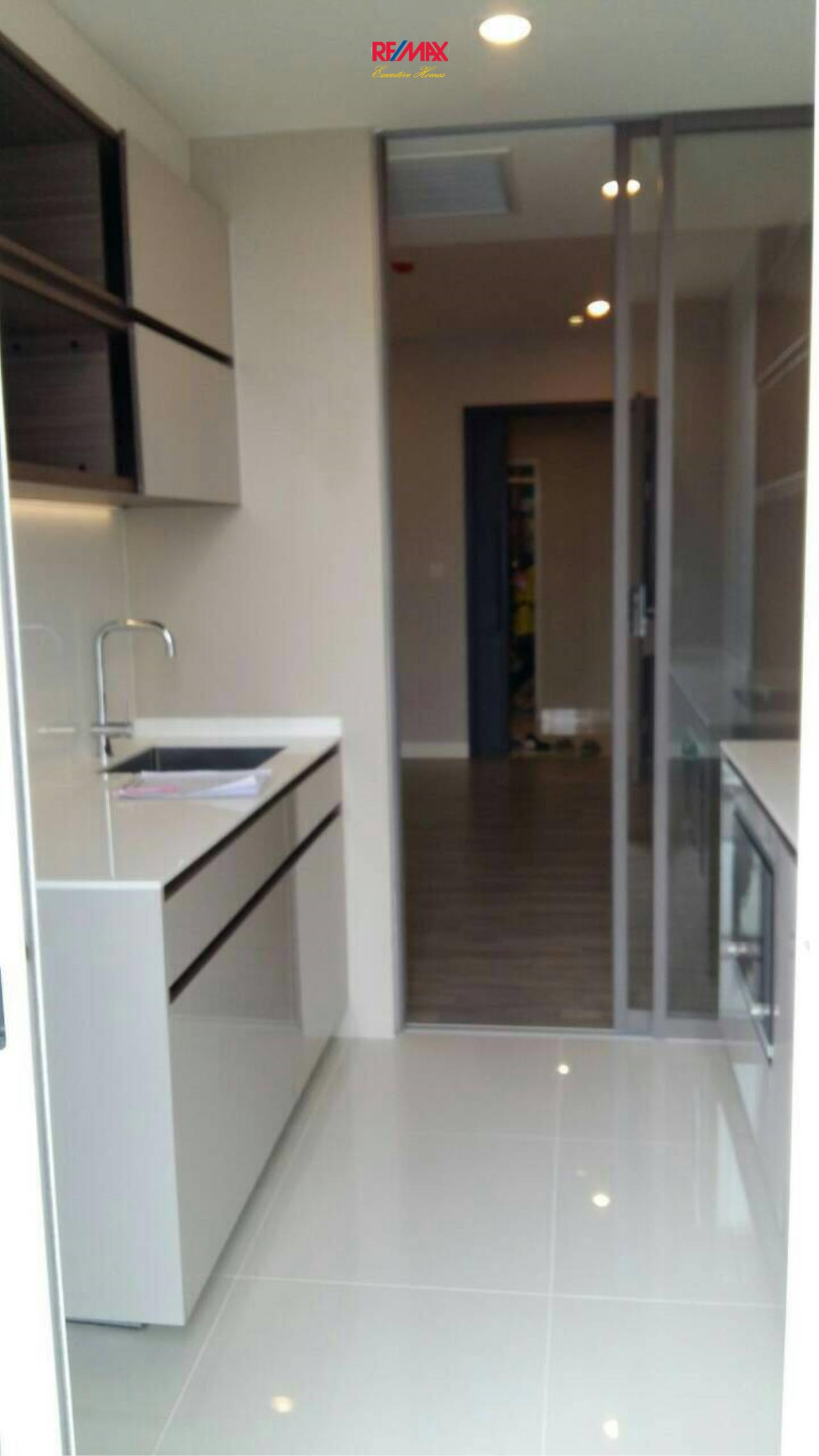 RE/MAX Executive Homes Agency's Nice 1 Bedroom for Rent The Room Sathorn 3