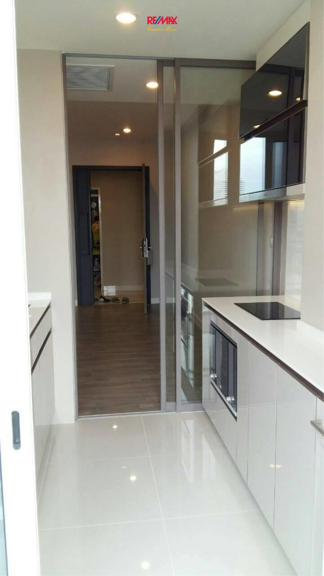 RE/MAX Executive Homes Agency's Nice 1 Bedroom for Rent The Room Sathorn 4