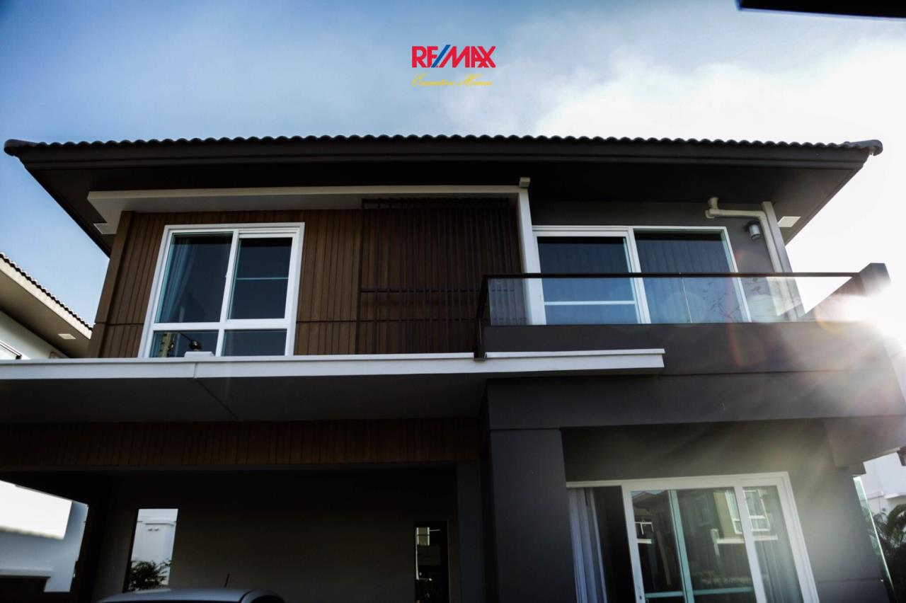RE/MAX Executive Homes Agency's Nice 3 Bedroom House for Sale Mantana Village On Nut Wongwaen 4 2