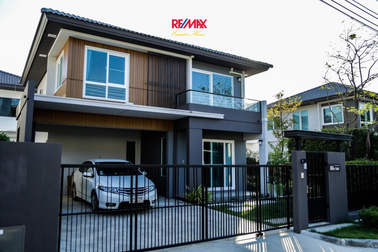 RE/MAX Executive Homes Agency's Nice 3 Bedroom House for Sale Mantana Village On Nut Wongwaen 4 4